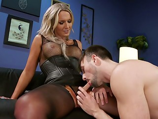 Beautiful T-girl Kayleigh Coxx is fucking hairy anus of bisexual guy