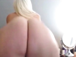 BIG Big WHITE ASS CLAPPING AND TWERKING