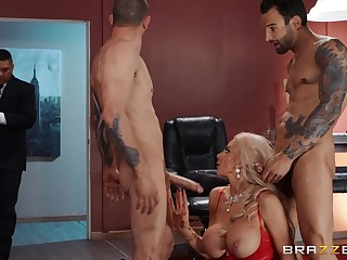 Needy blonde cougar give undaunted XXX trinity matey
