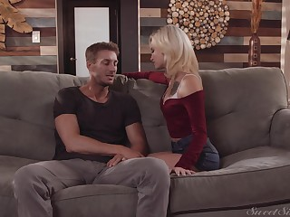 Saleable blonde hottie Kiara Cole fucked by the brush boyfriend in the twilight