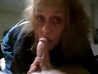 Granny sucking slowly dick and realize cum on lips