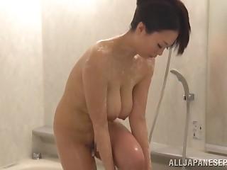Natural breasts Japanese mature Nachi Kurosawa gets fucked apart from a stud