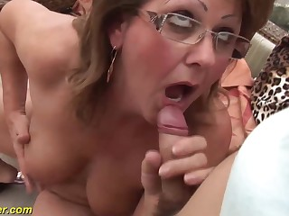 Victorian broad in the beam mom fucked by boyfriend