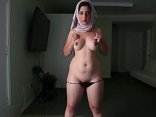 Hot arab MILF Nadia porn video