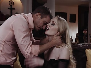 Ambit girl Emma Starletto opens her legs to be fucked bull deep