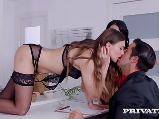 Talia Firsthand and Julia de Lucia, Anal Threesome in the Kitchen