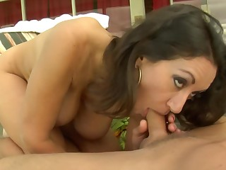 Mature Persia Monir has still got an impressive sexual stamina