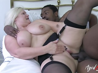 Interracial sex with hardcore fuck of unpredictable intensify mature blonde and prominent black cock