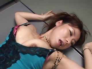 Quickie fucking on the office table with a deviant Japanese coworker